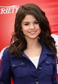 http://t2.gstatic.com/images?q=tbn:498au9xIS99v8M:http://cm1.theinsider.com/media/0/105/89/Selena_Gomez.0.0.0x0.636x912.jpeg