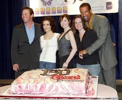 http://t2.gstatic.com/images?q=tbn:7aimLx9tzTSY3M:http://www.thecharmedones.com/charmed-150th-2.jpg&t=1
