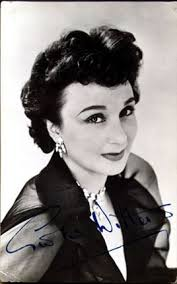 Googie Withers. (Georgette Withers) 1917 -. British actress who hit stardom in the early forties. Married actor John McCallum. Made films from 1934 to 1994. - googie_withers_bg