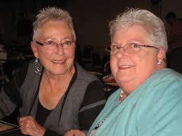 Trina Fleming (l), joins her sister-in-law, Jana Marshall, (r) at teh FSJCP gala. - fsjcp-dinner-trina-fleming-l-jana-marshall-r-10-22-11-5