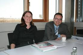 Die Assistentin der Geschäftsleitung Manuela Jenewein (links ... - 116171_web