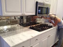 Commercial Kitchen Backsplash by Best 20 Mirror Backsplash Ideas On Pinterest Mirror Splashback