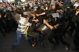 صور أرشفية من قلب أحداث الثورة Images?q=tbn:ANd9GcQ5tdzt_2Cftj84nzI7wiWIsqRsRgkuYMQBhw8-DizXSbBZ6uE0yZnYJ57g