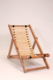 pallet wood u0026 bed slats upcycled into comfortable chair u2022 recyclart