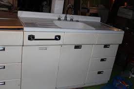 Retro Metal Kitchen Cabinets by Rose City Bungalow 1913 Calling All Vintage Kitchen Lovers