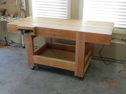 Plans For Building A Wooden Workbench by How To Build A Diy Workbench Dowelmax
