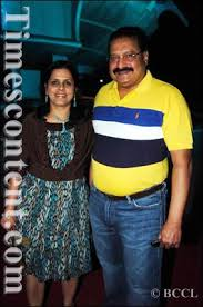 Sudhir Moravekar, Entertainment Photo, Chairman \u0026amp; CEO of ... - Sudhir-Moravekar-with-wife-Vidya