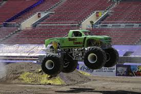 bigfoot monster truck wiki double trouble monster trucks wiki fandom powered by wikia