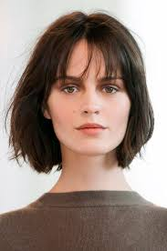 medium length hairstyles for round faces 2014 best 10 layered bob bangs ideas on pinterest layered bob 2016
