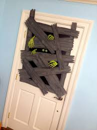 halloween decorated 50 best halloween door decorations for 2017