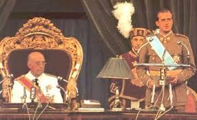 Franco y Juan Carlos jurando los principios fundamentales del régimen
