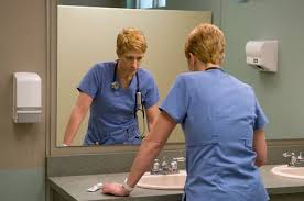 What      Nurse Jackie      Gets Right About the E R    The New York Times Opinionator   The New York Times