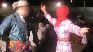 Meninos são alvo de abuso sexual em dança tradicional afegã