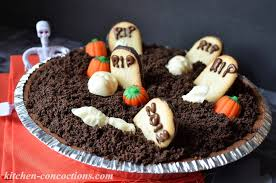 Halloween Graveyard Cake by Ghoulish Grub