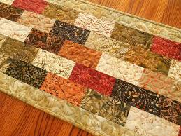 Quilted Table Runners by 524 Best Table Runners Place Mats Mug Rugs Images On Pinterest