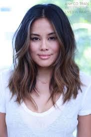 medium length straight hairstyles for round faces best 25 mid length hair ideas on pinterest mid length