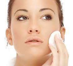 4 Tip Kecilkan Pori Wajah