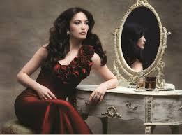 Canan serija Djevojčica je vremenom izrasla u prelijepu, otmjenu djevojku koja postaje jedinom nasljednicom višemilionskog bogatstva porodice koja ju je ... - 4a68fab05ca0f1b8659eaed35e1eb107