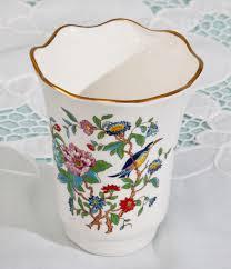 aynsley pembroke design vase stunning flowers and little blue