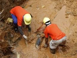 Mère Nature déchaîne sa fureur dans la première semaine de 2012 Images?q=tbn:ANd9GcQOl-hvj0K3NXh-I48VyktdY95_msGfGgxfBD-VMQO8i_GJTvRz