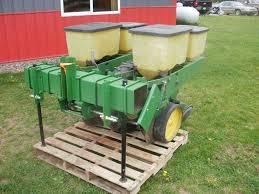 John Deere 7100 Planter by 2 Row Corn Planters