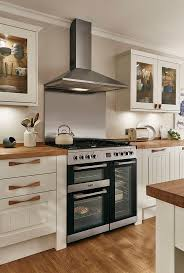 best 10 howdens worktops ideas on pinterest howdens kitchens a beautiful traditional looking cooking area a classic look with wooden worktop and handles
