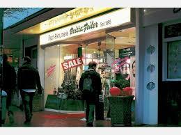 Britta Feiler verkauft das Traditionsgeschäft in der Weststraße 16 ... - 1069089405-280_008_2839928_rh03r13121-is34