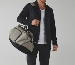 Mens Hairstyles For Business Professionals by The Best Bags For Men To Transition From Work To The Gym