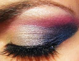 Idée de maquillage - Page 9 Images?q=tbn:ANd9GcQWU9CmLBY0U8Y9w7gKWvQwhZsYapT2hNXmGH9ILVK_i55QxIreeg