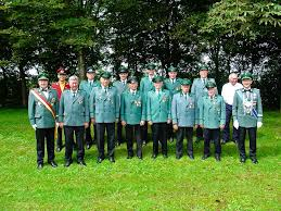 Beim Schützenfrühstück wurden Mitglieder für ihr Engagement geehrt: 75 Jahre - Franz Igges und Bernhard Kruse - ticker-2007-07-02-11