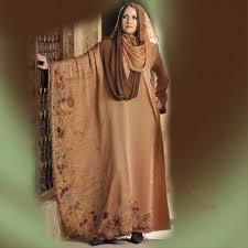 الطرق الصحيحة لإرتداء الحجاب لتتميزين بحجابك. Images?q=tbn:ANd9GcQXiHk62qR-_a1S-v74H9nUfBQgKrk7a2HpjsR3Wgt6BlxlpAOY2g