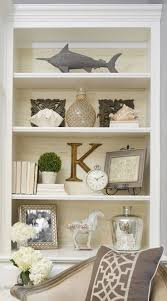 how to decorate bookshelves 25 best ideas about decorating a