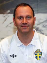 Jonas Eriksson. Sigtuna Fotbollsdomare Född 1974. Allsvenskan 263, debut 2000. Superettan 47, debut 1998. Internationella 112, debut 2000 - eriksson_210