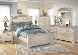 Decorating With White Bedroom Furniture White Wood Furniture Bedroom Home Decor Color Trends Top To White