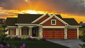 Hip Roof Ranch House Plans Ranch House Plans And Ranch Designs At Builderhouseplans Com