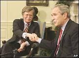 BBCBrasil.com | Reporter BBC | Análise: Acuado, Bush resiste a ...