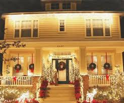 Homes With Christmas Decorations by Outdoor Christmas Decorations