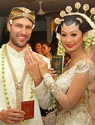 Gambar Pernikahan Indah Kalalo Justin