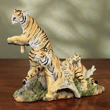 tiger family table sculpture