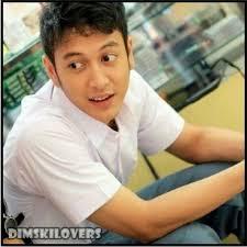 Karir Dimas Anggara bisa dibilang berawal dari ketidak sengajaan. Ketika dia sedang berjalan-jalan di sebuah mall, tiba-tiba dia mendapat tawaran untuk ... - 94041a44c41611e19894123138140d8c_6