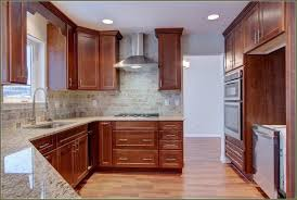Molding On Kitchen Cabinets Shaker Cabinets With Crown Molding 24897 Furniture Ideas