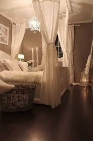 Tall Canopy Bed by 12 Ideas For Master Bedroom Decor Romantic Bedrooms And Dreams Beds