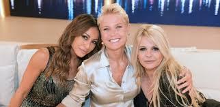 Xuxa grava entrevista com Sabrina Sato e Monique Evans | Folha ...