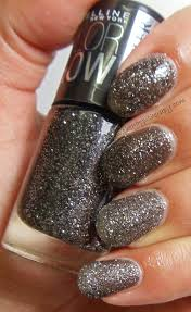 the happi therapy 3 maybelline colorshow glitter mania nail