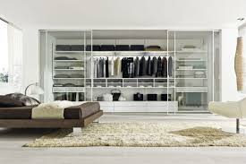 the best way of decorating master bedroom with walk in closet