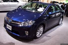lexus hybrid sedan hs250h global recall for 2010 toyota prius and lexus hs250h over software