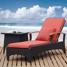 Outdoor Furniture Finish by Dark Brown Finish Modern Outdoor Chaise Lounge U0026 End Table Set