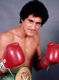 dos boxeadores fenomenales uno mexicano el otro argentino...
