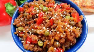 Как приготовить Салат с курицей, овощами и соевым соусом?