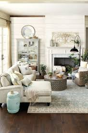 How To Decorate Walls by How To Decorate A Living Room Wall Pjamteen Com